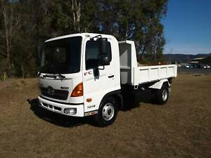 2010 HINO FC 3.6 TIPPER EX GOVERNMENT TRUCK Albion Park Rail Shellharbour Area Preview