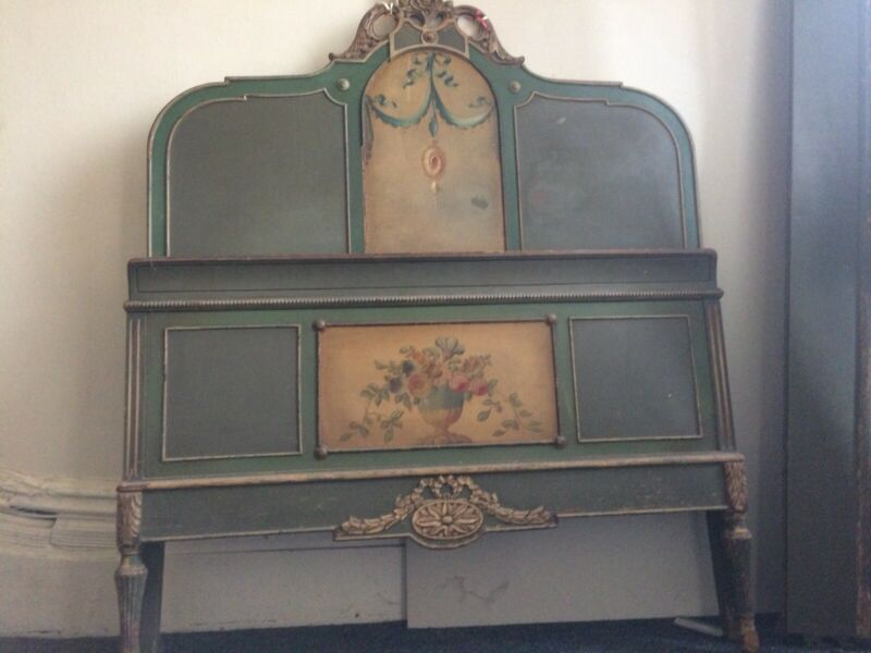 Antique painted twin bed - Gorgeous!