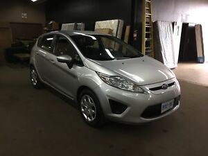 Lease Takeover - Buyout - 2011 Ford Fiesta SE Hatchback
