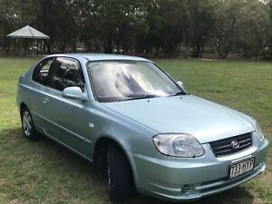 Hyundai Accent 2004 manual hatchback