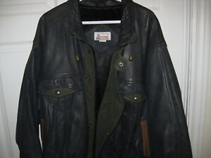 MENS LEATHER JACKET EXCELLENT CONDITION