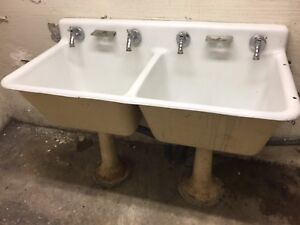 New reduced price 1930s double pedestal cast iron enamel sink