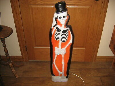 Union Products Halloween Blow Mold Yard Decoration Skeleton With Tombstone