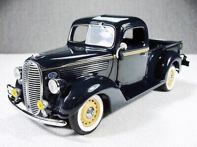 1/24 Scale BLUE 1938 Ford Model 81C-830 1/2 Ton Pickup Model w Box Danbury Mint
