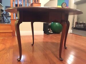 Mahogany Queen Anne drop leaf table