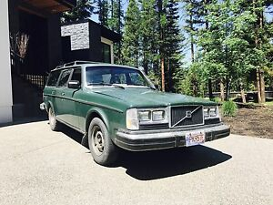 REDUCED *****1981 Volvo 245 wagon
