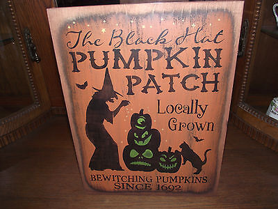 THE BLACK HAT PUMPKIN PATCH    primitive wood sign Halloween