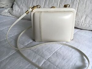 BEAUTIFUL QUALITY LEATHER HANDBAG South Perth South Perth Area Preview