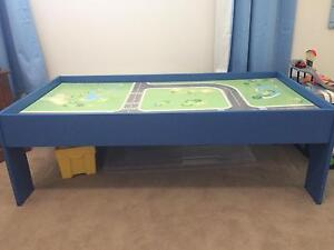 Play/Lego table Bolwarra Heights Maitland Area Preview