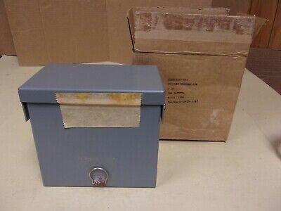 Bryant Circuit Breaker Sub-panel Weatherproof Box 120240v 20 Amps