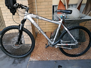 Trex  series6 hydrolic  brakes 27speed price is fixed Eden Hill Bassendean Area Preview
