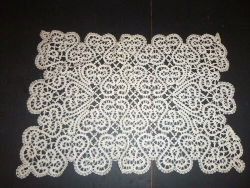 """ANTIQUE or VINTAGE HAND MADE CANTU LACE PLACEMAT 16 1/2"""" x 11"""""""