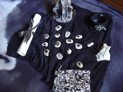 Hexenorakel mit sprechenden Steinen - Magie Wahrsagen + Beigaben und Rituale