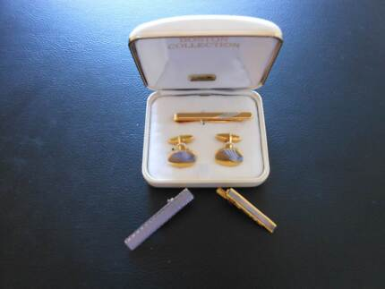 MATCHING GOLD CUFFLINKS & TIE PIN + 2 ADDITIONAL TIE PINS. Maylands Bayswater Area Preview
