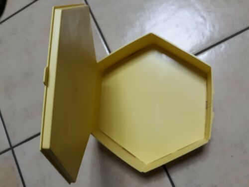 "PIATTO BAKERY BOX across and 11"" x 3"" Yellow Color Excellent condition 9315"
