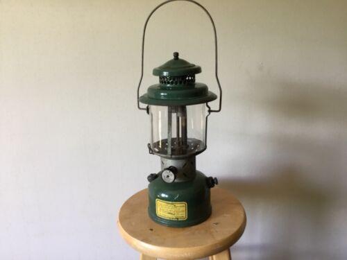 Working Vintage Coleman 220C Lantern dated August 1945