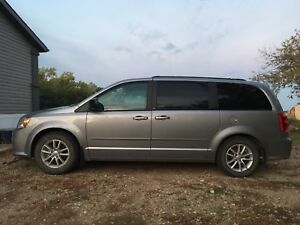 2013 Dodge Grand Caravan With DVD and Remote Start