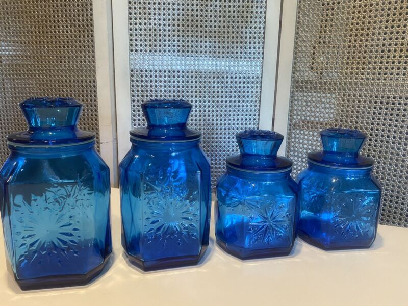VINTAGE SET OF 4 COBALT BLUE SNOWFLAKE PATTERN GLASS WHEATON CANISTERS WITH LIDS