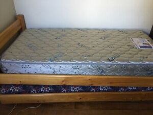 Single bed mattress and sliding bed with foam mattress