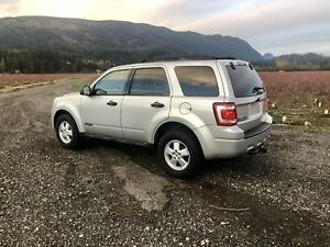 2008 Ford Escape,Clean Tittle,TOWING Package,TINTED