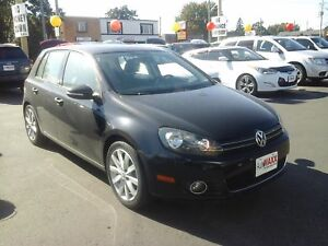 2012 VOLKSWAGEN GOLF 2.5L TRENDLINE- POWER GLASS SUNROOF, LEATHE