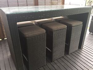 Outdoor Bar Table and Stools Albion Park Rail Shellharbour Area Preview