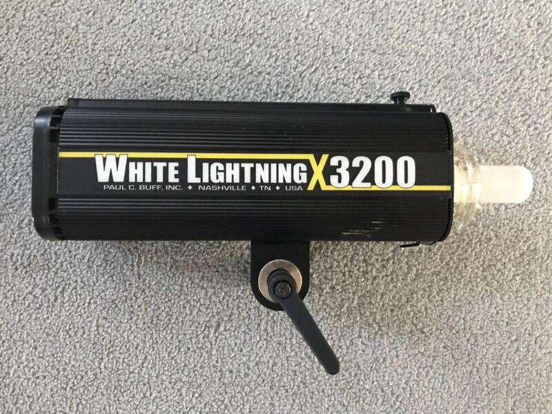 White Lightning X3200 by Paul C Buff Flash Strobe