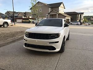 SRT8 SUPERCHARGED Jeep Grand Cherokee   Low kms.  Warranty