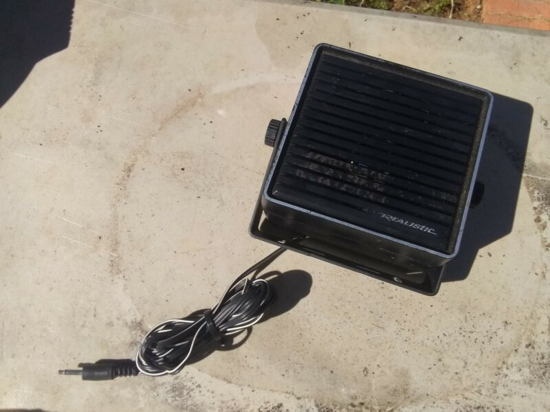 Radio Shack / Realistic Communications Extension Speaker 21-549 & Bracket.