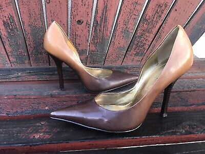 bRoWn OmbRe Sz 8 Camel Patent Pointy Toe CARRIE Stilettos Heels PUMPS GuESS Brown Patent Pumps
