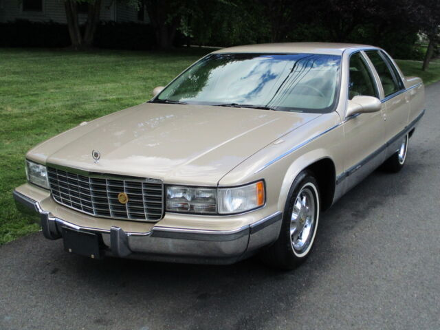 Image 1 of Cadillac: Fleetwood…