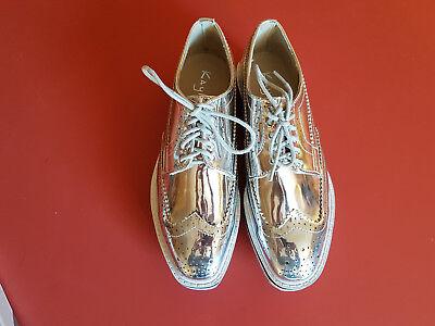 Magnifiques neuves chaussures Derby argentées taille 39 (taille petit)