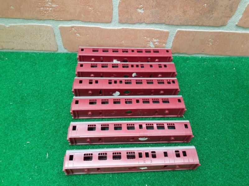 Rare Triang Railways TT Gauge T. 82 T.83 BR Mainline Coaches Unbuilt Lot