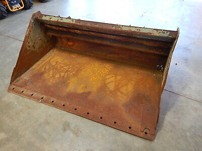 72 Used Universal Skid-steer Loader Smooth Dirt And Foundry Bucket