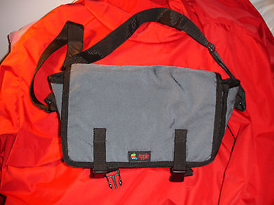 RARE VINTAGE APPLE COMPUTER INC RAINBOW MACINTOSH LOGO EMPLOYEE CROSSOVER BAG