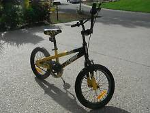 BOYS KIDS 40cm 15 ALUMINIUM BLACK YELLOW BIKE SUITS AGES 4-7 Palm Cove Cairns City Preview