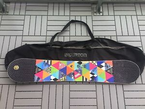 Woman's Snowboard 148 incl Burton bag