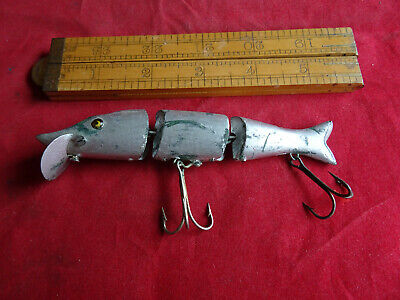A SCARCE EARLY PRE WAR VINTAGE D.A.M EVER READY JOINTED HECHT WOBBLER LURE A/F