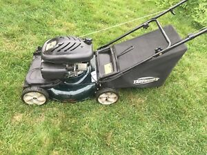 Self propelled lawnmower