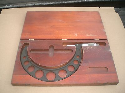Brown And Sharpe 6-7 In Mic In Wooden Case