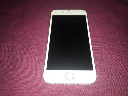 iPhone 6 64GB Silver - excellent condition