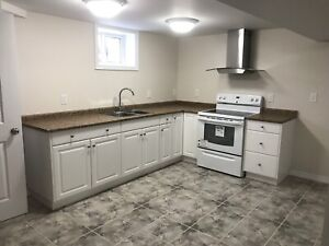 Grandview 3+1 beds-2.5 baths-2 full kitchens-Carport-Low taxes
