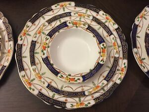 Alfred Meakin - Circa 1920- Art Deco Dinner set  For 10