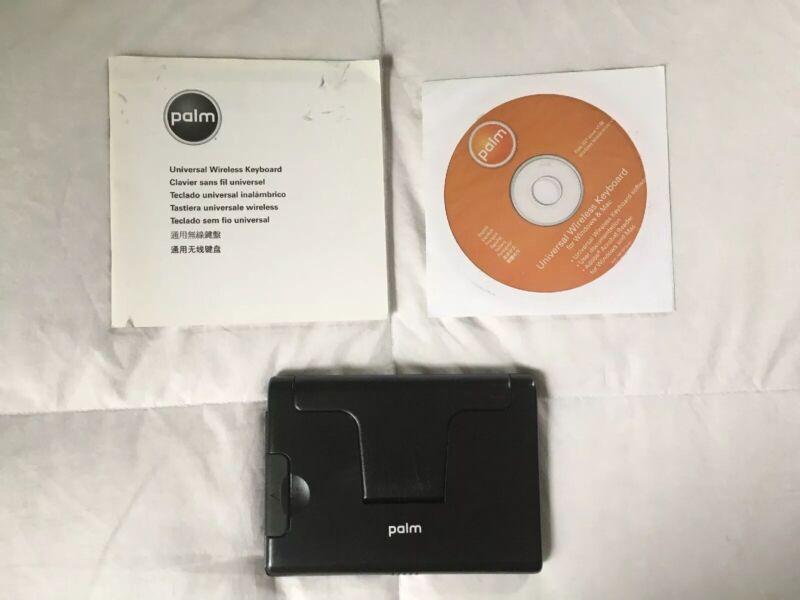 Palm Universal Wireless Keybord & CD