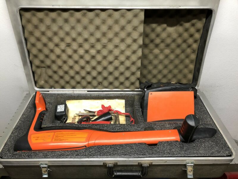 Metrotech 810DX Pipe & Cable Locator Complete Wand Transmitter Case Acc. CLEAN!