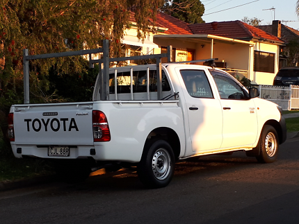 Toyota hilux 2012 6 seater workmate rego low kms logbooks