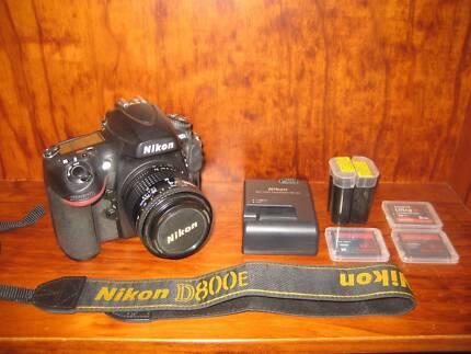 Nikon D800E Digital SLR Camera Body w/ Nikon Nikkor 35-70mm Lens