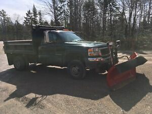 2007 GMC 1 ton 3500 dump body
