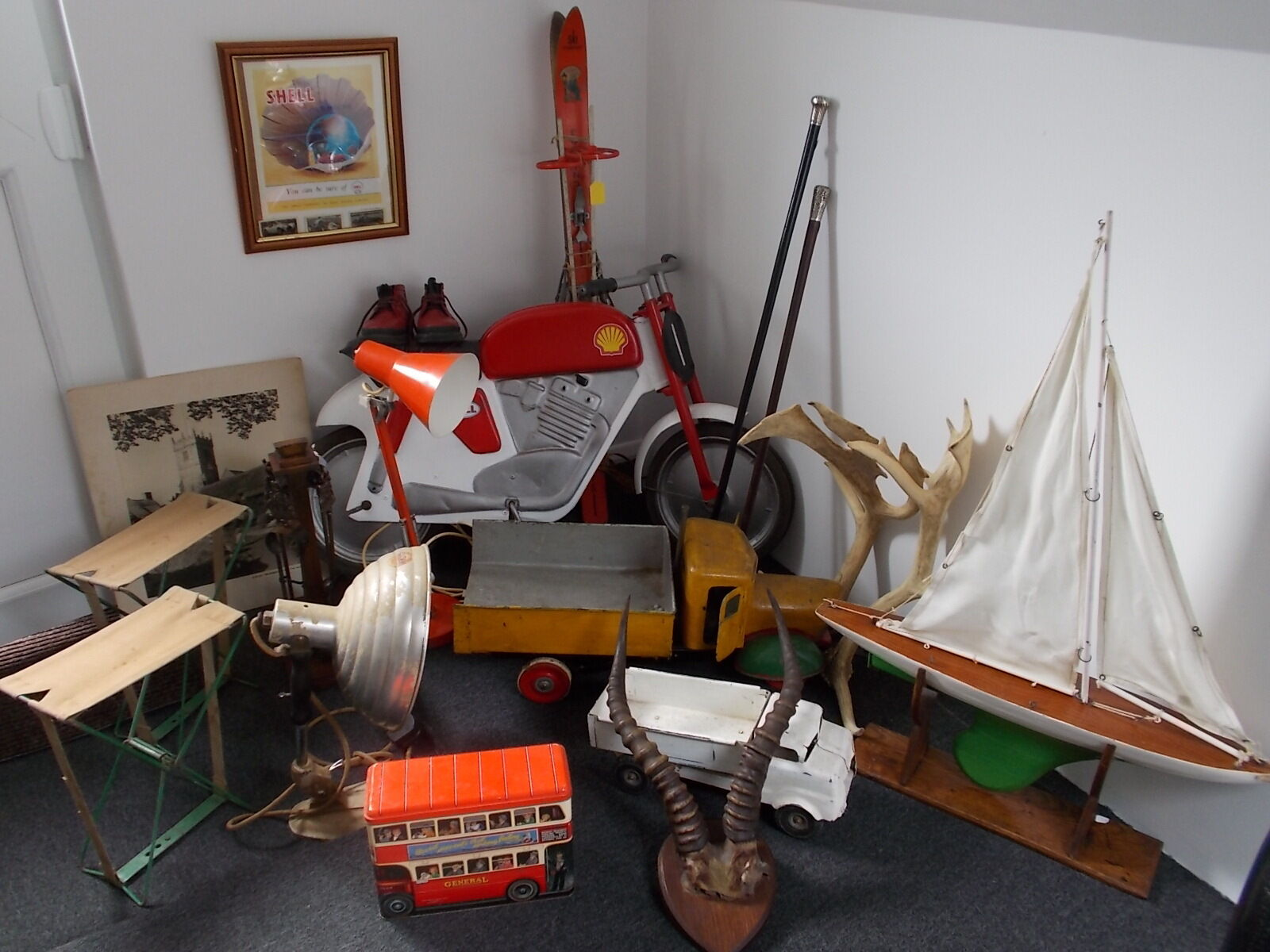 Landmarc Antiques