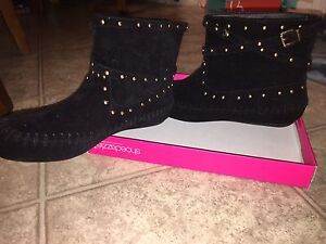 Boots brand new never worn